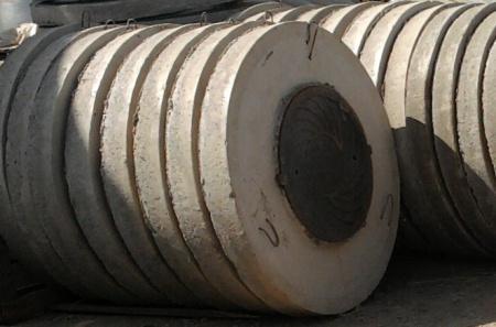 Люк чугунные легкий и крышка пп10-1 для метрового кольца жби.